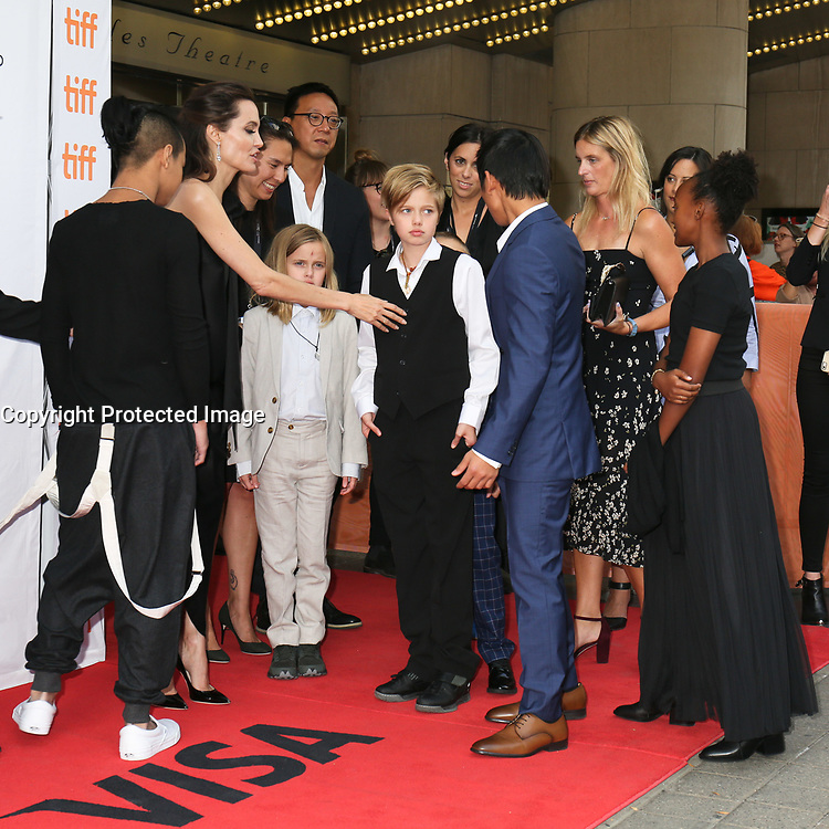 ANGELINA JOLIE WITH HER CHILDREN MADDOX, VIVIENNE, SHILOH, PAX AND ZAHARA - RED CARPET OF THE FILM 'FIRST THEY KILLED MY FATHER' - 42ND TORONTO INTERNATIONAL FILM FESTIVAL 2017