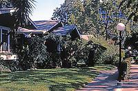 Pasadena CA: Bowen Court, 539 Villa St..  Arthur S. Heineman, 1913. (One of the first bungalow courts.)