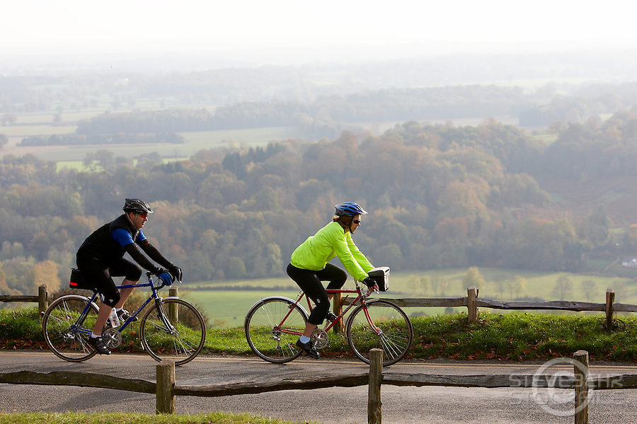 Rob and Shirley Hall ..Box Hill , Surrey October 2009..pic copyright Steve Behr / Stockfile