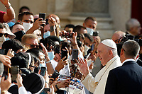Pope Francis waves to faithful as he arrives to attend his weekly general audience in St. Damaso courtyard at the Vatican, September 16, 2020.<br /> UPDATE IMAGES PRESS/Riccardo De Luca<br /> <br /> STRICTLY ONLY FOR EDITORIAL USE