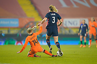 BREDA, NETHERLANDS - NOVEMBER 27: Samantha Mewis #3 of the United States attempts to move past Jackie Groenen #14 of the Netherlands during a game between Netherlands and USWNT at Rat Verlegh Stadion on November 27, 2020 in Breda, Netherlands.
