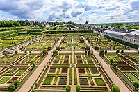 France, Indre-et-Loire (37), Villandry, jardins et château de Villandry, le potager vu depuis la tour