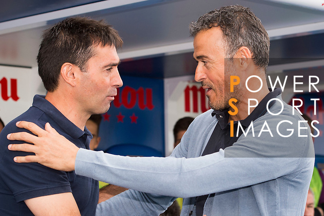 Coach Luis Enrique Martinez (r) of FC Barcelona talks to coach Asier Garitano of Deportivo Leganes during their La Liga match between Deportivo Leganes and FC Barcelona at the Butarque Municipal Stadium on 17 September 2016 in Madrid, Spain. Photo by Diego Gonzalez Souto / Power Sport Images
