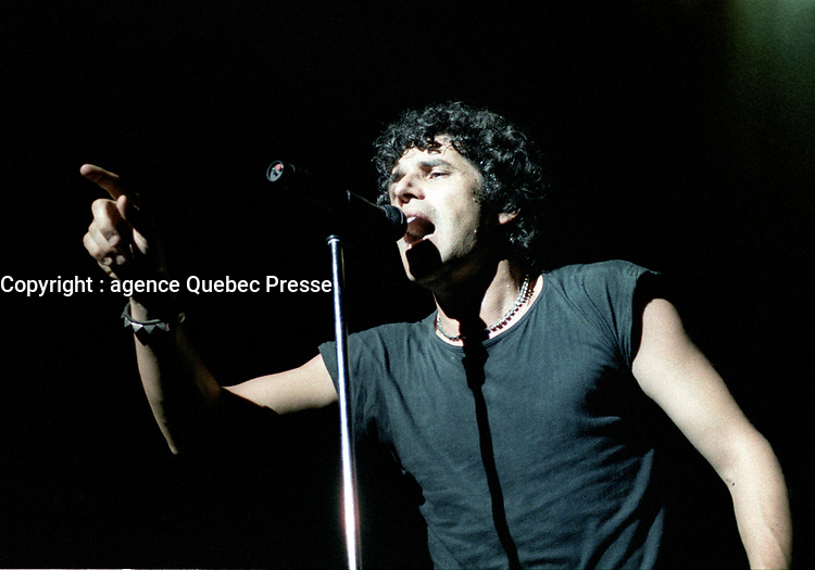 JULIEN CLERC,<br /> Avril 1984 au<br /> Theatre St-Denis,<br /> Montreal, CANADA<br /> <br /> PHOTO : Agence Quebec Presse