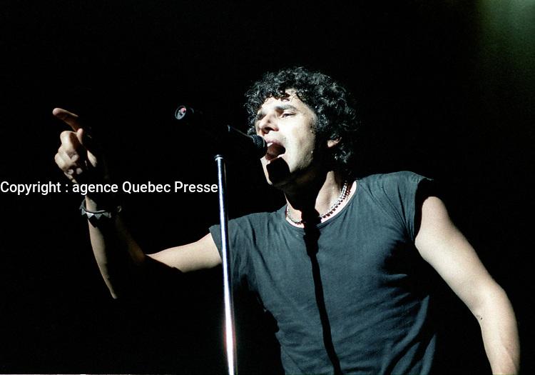 JULIEN CLERC,<br /> Avril 1984 au<br /> Theatre St-Denis,<br /> Montreal, CANADA<br /> <br /> PHOTO : Agence Quebec Presse