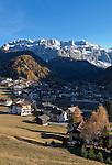 Italien, Suedtirol, Dolomiten, Groednertal, Wolkenstein: vor Sellagruppe | Italy, South Tyrol, Alto Adige, Dolomites, Val Gardena, Selva Gardena: with Gruppo del Sella mountains