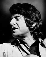 Poet-singer Leonard Cohen gave concert at Massey Hall last night. Songs are eloquent, with something to say, but critic William Littler found performance disturbing. Cohen seemed to be presenting a new perspective.<br /> <br /> Lennon, Frank<br /> Picture, 1970<br /> <br /> <br /> Toronto Star Archives - AQP