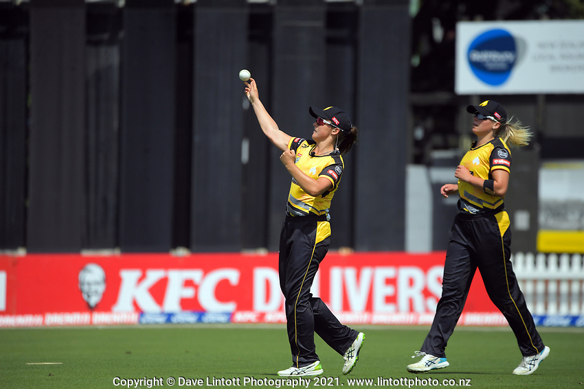 Amelia Kerr fields during the Dream11 Super Smash T20 women's cricket final between Wellington Blaze and Canterbury Magicians at the Basin Reserve in Wellington, New Zealand on Saturday, 13 February 2021. Photo: Dave Lintott / lintottphoto.co.nz