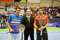 15-12-12, Rotterdam, Tennis Masters 2012, Finalisten: links Jesse Huta Galung, umpire Rob Mulder en Igor Sijsling.