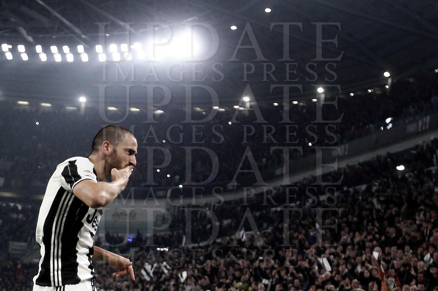 Calcio, Serie A: Juventus Stadium. Torino, Juventus Stadium, 29 ottobre 2016.<br /> Juventus' Leonardo Bonucci celebrates after scoring during the Italian Serie A football match between Juventus and Napoli at Turin's Juventus Stadium, 29 October 2016. Juventus won 2-1.<br /> UPDATE IMAGES PRESS/Isabella Bonotto