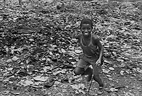 Mozambico, Africa,Maputo  bambini di strada in discarica