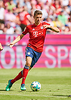 Thomas MUELLER, MUELLER, FCB 25 <br /> FC BAYERN MUENCHEN - VFB STUTTGART 1-4<br /> Football 1. Bundesliga , Muenchen,12.05.2018, 34. match day,  2017/2018, , 28.Meistertitel, <br />  *** Local Caption *** © pixathlon<br /> Contact: +49-40-22 63 02 60 , info@pixathlon.de