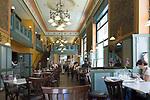HUN, Ungarn, Budapest, Stadtteil Pest, Zentrum: Kaffeehaus Centrál, innen | HUN, Hungary, Budapest, Pest District, centre: coffee-house Centrál, inside