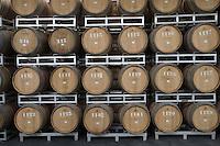 """Asie/Israël/Galilée/Zichron Yaacov: les barriques de l'établissement viticole """"Carmel Mizrachi"""", Moshavim, fondé en 1882 par le Baron Edmond de Rotschild"""