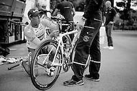 Simon Gerrans (AUS/Orica-GreenEDGE) fine-tuning his newest machine for the job ahead of Le Grand Départ<br /> <br /> Tour de France 2014
