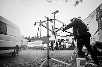 cleaning the bikes in time for the actual race<br /> <br /> Krawatencross Lille 2017
