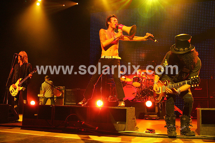 **ALL ROUND PICTURES FROM SOLARPIX.COM**.**SYNDICATION RIGHTS FOR UK, SPAIN, PORTUGAL, AUSTRALIA, S.AFRICA & DUBAI (U.A.E) ONLY**.The rock group Velvet Revolver in Concert at the Gibson Amphitheatre in Los Angeles, California in the USA. .This pic:Scott,Weiland,Slash,Duff,McKagan,Matt,Sorum,Dave,Kushner.JOB REF:5497-PHZ    DATE: 12_12_07.**MUST CREDIT SOLARPIX.COM OR DOUBLE FEE WILL BE CHARGED* *UNDER NO CIRCUMSTANCES IS THIS IMAGE TO BE REPRODUCED FOR ANY ONLINE EDITION WITHOUT PRIOR PERMISSION*