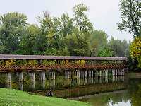 Holzbrücke über Totarm der kleinen Donau bei Kolarovo, Nitriansky kraj, Slowakei, Europa<br /> Wooden bridge cutoff of Small Danube River near Kolarovo, Nitriansky kraj, Slovakia Europe