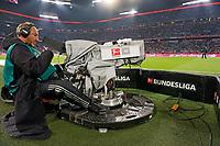 22.09.2017,  Football 1.Liga 2017/2018, 6. match day, FC Bayern Muenchen - VfL Wolfsburg, in Allianz-Arena Muenchen. FernsehkameraSpielfeldrand. *** Local Caption *** © pixathlon<br /> <br /> +++ NED + SUI out !!! +++<br /> Contact: +49-40-22 63 02 60 , info@pixathlon.de