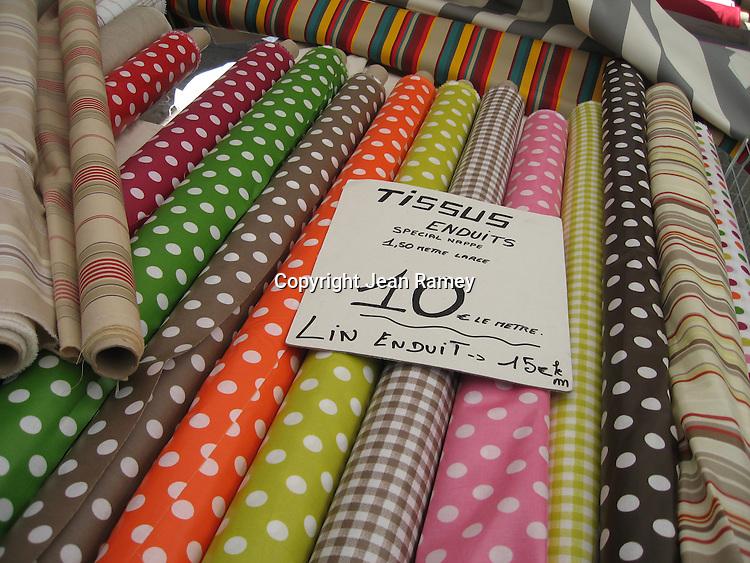 """""""Tissus"""" Fabrics"""