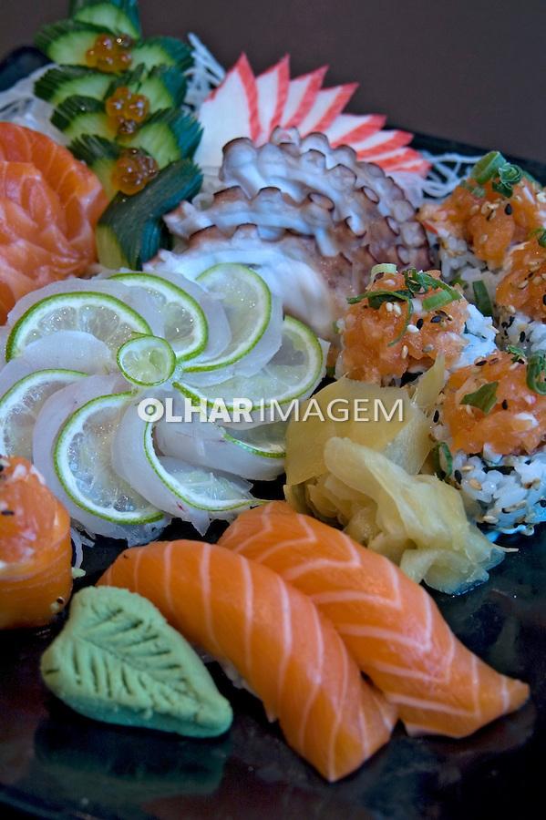 Alimentos. Pratos. Sushi. Foto de Cris Berger.