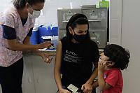 Campinas (SP), 11/09/2021 - Vacina Covid-19 - A secretaria de Saúde de Campinas (SP) realiza neste sábado (11) o quarto 'Dia D' de aplicação da segunda dose da vacina contra a covid-19.<br /> A expectativa é vacinar as mais de 28,9 mil pessoas que estão agendadas para completar a imunização hoje. A vacinação acontecerá das 8h às 17h em 64 centros de saúde.