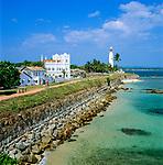 Sri Lanka, Galle: Festung mit Leuchtturm, wie die Altstadt UNESCO Weltkulturerbe | Sri Lanka, Galle: View along Old Ramparts with lighthouse, UNESCO World Heritage site