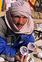 Bergoase von Midés, Steinverkäufer, Tunesien
