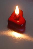 Candela, simbolo della passione e dell' amore. .Candle, symbol of passion and love ...