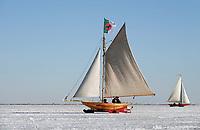 Nederland  Monnickendam Feb. 2021.  IJszeilen op de bevroren Gouwzee. IJszeilvereniging De Robben.   Foto Berlinda van Dam / HH / ANP.