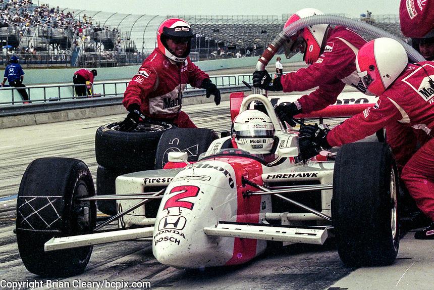 Gil de Ferran, pit stop, Marlboro Grand Prix of Miami, CART race, March 26, 2000.  (Photo by Brian Cleary/bcpix.com)