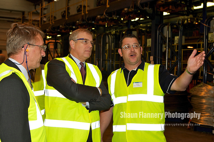 Pix: Shaun Flannery/shaunflanneryphotography.com...COPYRIGHT PICTURE>>SHAUN FLANNERY>01302-570814>>07778315553>>..20th October 2011…………….His Royal Highness Prince Andrew visits Bridon International's unit at Carr Hill, Doncaster..Pictured with Gary Bullock, Manufacturing Manager.