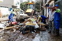 SÃO CAETANO DO SUL, SP, 12.03.2019: CHUVA-SP - Moradores e prefeitura de São Caetano do Sul fazem rescaldo após enchentes que atingiram a região no último domingo. (Foto: Carla Carniel/Código19)
