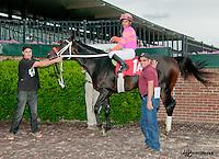 Sleepless Knight winning at Delaware Park on 6/6/13