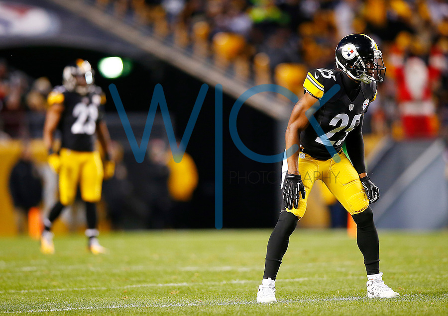 Brandon Boykin #25 of the Pittsburgh Steelers in action against the Denver Broncos during the game at Heinz Field on December 20, 2015 in Pittsburgh, Pennsylvania. (Photo by Jared Wickerham/DKPittsburghSports)