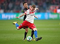 24.09.2017, Football 1. Bundesliga 2017/2018, 6.  match day, Bayer 04 Leverkusen - Hamburger SV, in BayArena Leverkusen.  Charles Aranguiz (Bayer Leverkusen)  -  Andre Hahn (Hamburg)  *** Local Caption *** © pixathlon<br /> <br /> +++ NED + SUI out !!! +++<br /> Contact: +49-40-22 63 02 60 , info@pixathlon.de