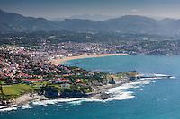 France, Pyrénées-Atlantiques (64), Pays-Basque, Saint-Jean-de-Luz: La baie de Saint-Jean-de-Luz, vue aérienne  // France, Pyrenees Atlantiques, Basque Country, Saint Jean de Luz, Saint-Jean-de-Luz bay, aerial view