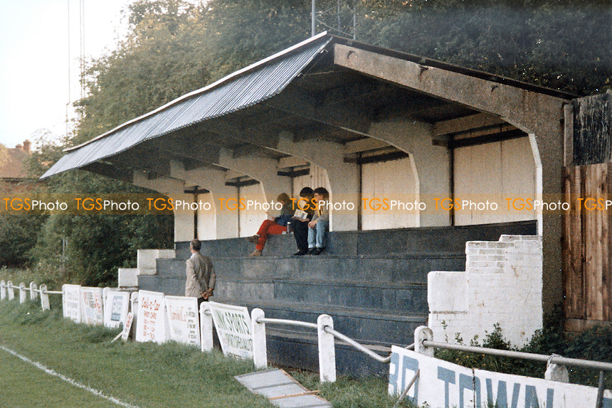 General view of Woodford Town Football Club, Snakes Lane, Woodford, London pictured circa 1987 - MANDATORY CREDIT: Gavin Ellis/TGSPHOTO - Self billing applies where appropriate - 0845 094 6026 - contact@tgsphoto.co.uk - NO UNPAID USE.