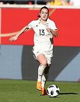 Sara Daebritz     <br /> /   World Championships Qualifiers women women /  2017/2018 / 07.04.2018 / DFB National Team / GER Germany vs. Czech Republic CZE 180407053 / <br />  *** Local Caption *** © pixathlon<br /> Contact: +49-40-22 63 02 60 , info@pixathlon.de