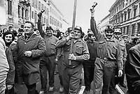 - Milano, 1975, sciopero generale degli operai metalmeccanici....- Milan, 1975,  general strike of metalworkers