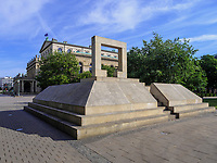 Holocaust-Mahnmal am Opernplatz in Hannover, Niedersachsen, Deutschland, Europa<br /> Holocaust-memorial at Opera Square in Hanover, Lower Saxony, Germany, Europe