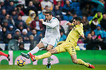 Cristiano Ronaldo (L) of Real Madrid competes for the balding Alvaro Gonzalez Soberon of Villarreal CF during the La Liga 2017-18 match between Real Madrid and Villarreal CF at Santiago Bernabeu Stadium on January 13 2018 in Madrid, Spain. Photo by Diego Gonzalez / Power Sport Images
