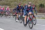 Ineos Grenadiers chase the breakaway during Stage 7 of the Vuelta Espana 2020 running 159.7km from Vitoria-Gasteiz to Villanueva de Valdegovia, Spain. 27th October 2020.  <br /> Picture: Luis Angel Gomez/PhotoSportGomez | Cyclefile<br /> <br /> All photos usage must carry mandatory copyright credit (© Cyclefile | Luis Angel Gomez/PhotoSportGomez)