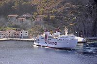 - Capraia island (Tuscan Archipelago), Toremar ferry in the harbor....- isola di Capraia (Arcipelago Toscano), traghetto della compagnia Toremar in porto