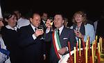 SILVIO BERLUSCONI CON ALBERTO SORDI E MONICA VITTI<br /> GLI 80 ANNI DI ALBERTO SORDI <br /> NOMINATO PER L'OCCASIONE SINDACO DI ROMA PER UN GIORNO - 15 GIUGNO 2000