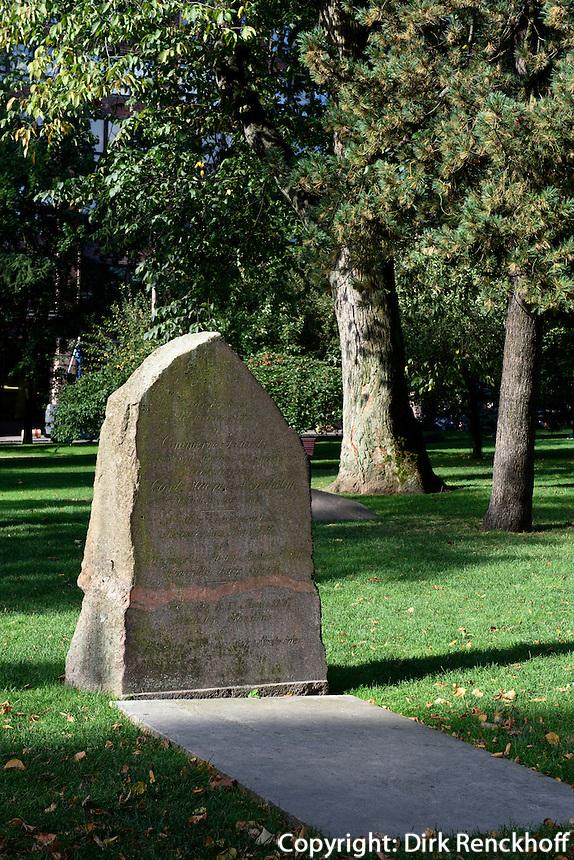 Gräber im Pestpark, Helsinki, Finnland