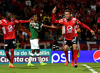 MEDELLIN - COLOMBIA -04-03-2017: Jhon Hernandez (Der.), jugador Deportivo Independiente Medellin celebra el gol anotado a Deportivo Cali, durante entre Deportivo Independiente Medellin y Deportivo Cali, por la fecha 8 de la Liga Aguila I 2017, en el estadio Atanasio Girardot de la ciudad de Medellin. / Jhon Hernandez (R), player of Deportivo Independiente Medellin celebrates a scored goal to Deportivo Cali, during a match between Deportivo Independiente Medellin and Deportivo Cali for the date 8 of the Liga Aguila I 2017 at the Atanasio Girardot stadium in Medellin city. Photo: VizzorImage  / Luis Ramirez / Staff.