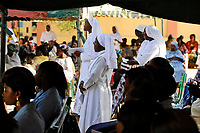 """NIGER Maradi, catholic church, holy mass and consecration of new nuns / NIGER Maradi, katholische Kirche, Gottesdienst und Weihung neuer Schwestern der Schwesterngemeinschaft """"Servantes de Christ"""""""