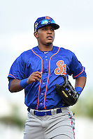 St. Lucie Mets outfielder Victor Cruzado (18) jogs to the dugout during a game against the Bradenton Marauders on April 11, 2015 at McKechnie Field in Bradenton, Florida.  St. Lucie defeated Bradenton 3-2.  (Mike Janes/Four Seam Images)