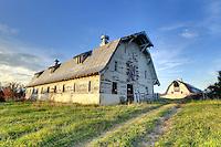 Old barn in Albemarle County, VA. Photo/Andrew Shurtleff